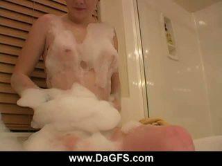 Meaghans privé bubbel bath tonen