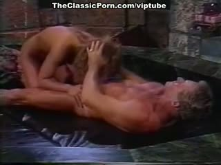 Barbara dare, nina hartley, erica boyer σε παλιάς χρονολογίας πορνό συνδετήρας
