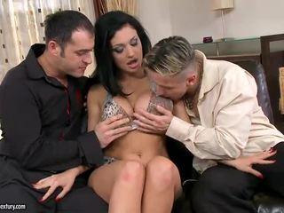 Estella gets double 性交