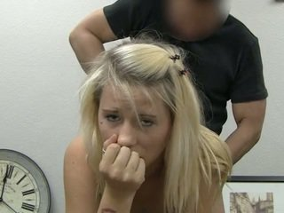 Ania taking tvárové výstrek