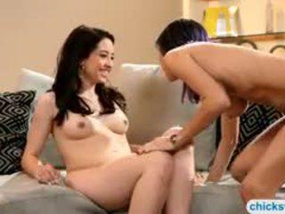 Bushy April Oneil Making Out With Beautiful Eva Sedona