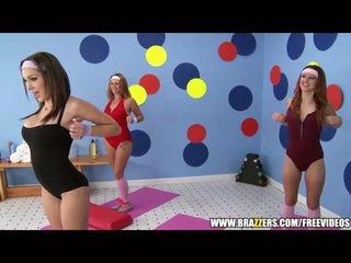 Aerobics instructor loves גדול זין