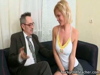 Delinen fucks professor için passing sınıf