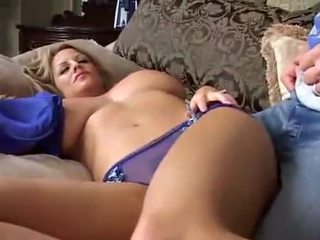Спящ голям breasted милф