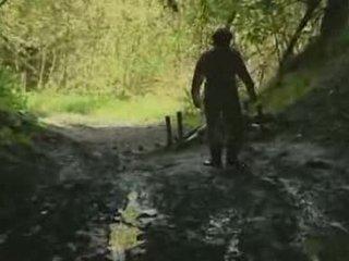Asiática chica rape en bosque vídeo