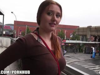 Mofos - piros haj, nagy cicik