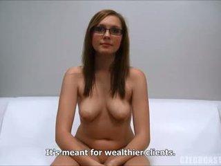 voi brunetta, sesso orale di più, di più giocattoli online