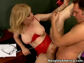 Nina hartley acquires لها cookie filled مع juvenile مهبل
