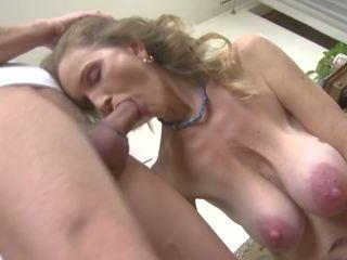 Hot eldre sex med skitten mamma og sønn, hd porno 98