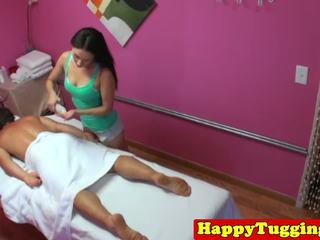 아시아의 masseuse sixtynines 과 jerks 클라이언트: 무료 고화질 포르노를 82