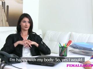 Femaleagent agent fucks vroče mastrubacija model s velika dildo