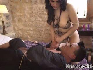 bruneta, orálny sex