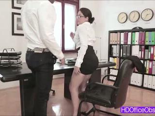 bruneta, velký penis, kancelář