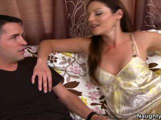 Smut MILF Samantha Ryan Squeals On Couch