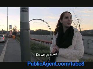 Publicagent ginger meitene gets stāšanās stranger automašīna un fucks par sīknauda
