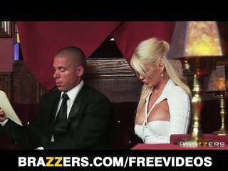 Alexis ford gets banged で ザ· クラブ