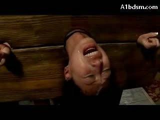 Uly emjekli aziýaly gyz in stock gygyrmak while fingered fucked stimulated with wibrator getting many facials on the ýeriň aşagynda weçerinka