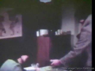 হাতের কাজ লিঙ্গের আপ যৌনসঙ্গম, লিঙ্গের মধ্যে ত্রয়ী, রেট্রো কামোত্তেজকতত্ত্ব