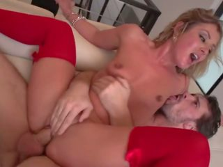 E përsosur flokëverdhë qij: e përsosur qij porno video a5