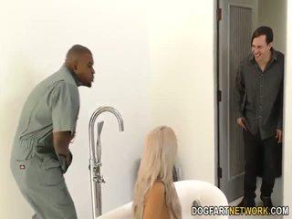 Paroháč boyfriend watches nina elle gets fucked podle bbc