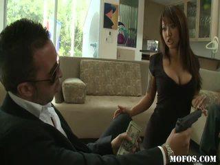 Asiatic porno female tastes the lucru