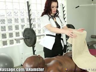 Masseuse takes перевага з clients великий пеніс: безкоштовно порно 43