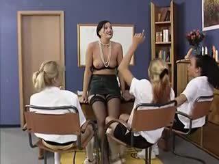 gruppen-sex, lesben, alt + young