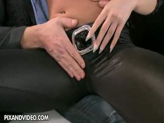 brunete, hardcore sex, kissing