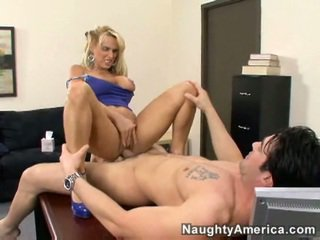 Holly halston gets pounded difficile da dietro