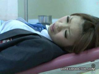 Voyeurcam využitý na gynecologist 02