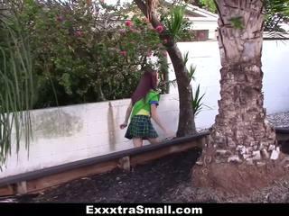 Exxxtrasmall - minuscolo ragazza scout scopata da enorme cazzo