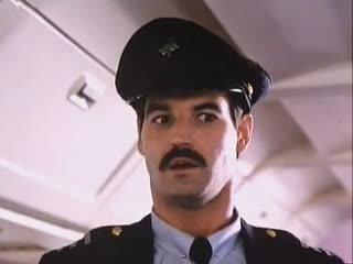 Curvy stewardess - ruk af encouragement - joe