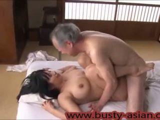 Млад голям бюст японки момиче прецака от стар мъж http://japan-adult.com/xvid