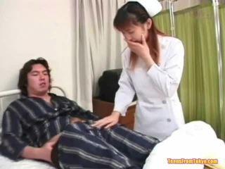 เกี่ยวกับเอเชีย พยาบาล การเล่น ปิด
