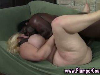 Okrogli umazano blondinke gets a vrhunec