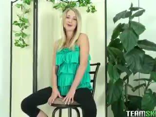Thisgirlsucks blondine tiener casi james afrukken pijpen lul facial