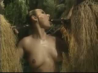 Afrikāņu brutally fucked amerikāņi sieviete uz džungļi video