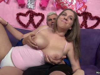 סקסי שחרחורת alex הזדמנות gets שלה כוס fingered