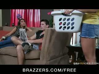 Gracie glam - overspel rondborstig latina vrouw milf has trio orgie met tiener meid