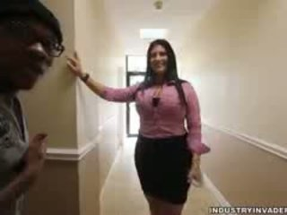 Kim cruz plays одягнена жінка голий чоловік в її офіс