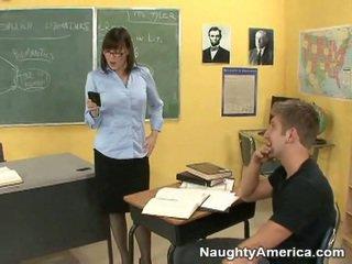 Detta är vad mrs. tina tyler är för!