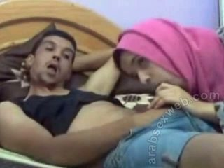 Arabialainen bj sisään hijab päällä webcam-asw1077