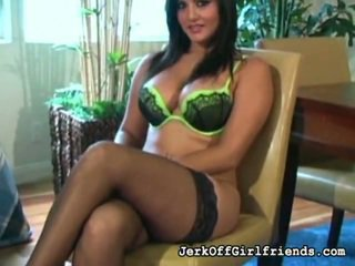 Jerkoff Instruction Vid By Sunny Leone