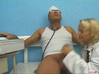 Nurse Suckimov saves a patient 1/4
