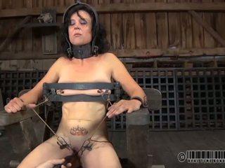 Punishment vì babes núm vú