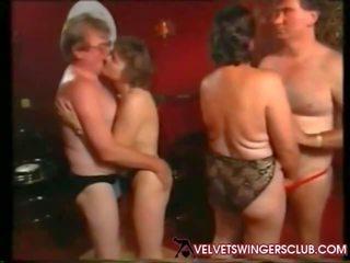 Velvet swingers מועדון סבתא ו - seniors לילה חובבן