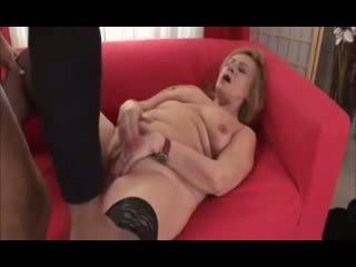 Főiskolás lányok are having egy vad szex buli blowing