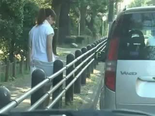 Školačka podvedl a used v auto