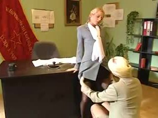 Scene 4 Betty Love, Luna_