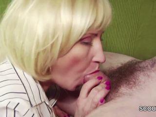18yr 古い ドイツ語 ボーイ 誘惑する step-mom masturbation と ファック